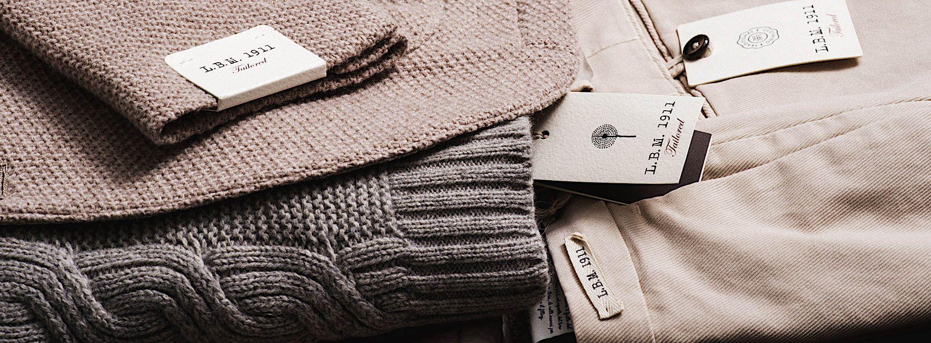 Giacca L.B.M in lana rigenerata; Maglia KANGRA collo vulcano 50%, Alpaca; 50% Yak; Pantaloni con pence L.B.M.